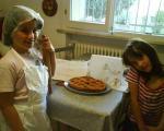 Viola e Gaia, le mini azdore romagnole al lavoro per la zia!!!